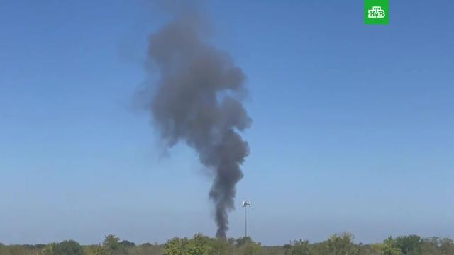 Военный самолет разбился вТехасе, повредив два дома.США, авиационные катастрофы и происшествия, самолеты.НТВ.Ru: новости, видео, программы телеканала НТВ