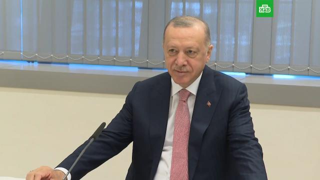 Эрдоган: Турция не признает Крым российским.Президент Турции заявил, выступая на Генассамблее ООН, о важности сохранения территориальной целостности Украины, включая территорию «аннексированного» Крыма.Крым, ООН, Турция, Эрдоган.НТВ.Ru: новости, видео, программы телеканала НТВ