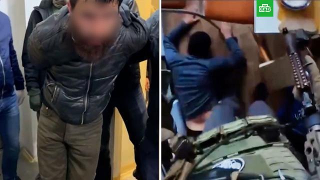 ВЕкатеринбурге ФСБ обезвредила экстремистов, работавших смигрантами.Екатеринбург, задержание, терроризм.НТВ.Ru: новости, видео, программы телеканала НТВ