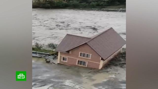 Дома уносило водой: Дагестан приходит в себя после ливней и селей.Дагестан, наводнения, стихийные бедствия.НТВ.Ru: новости, видео, программы телеканала НТВ