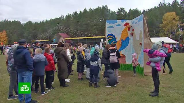 Метание яиц и бег со сковородами: в Татарстане прошел посвященный птицеводству фестиваль