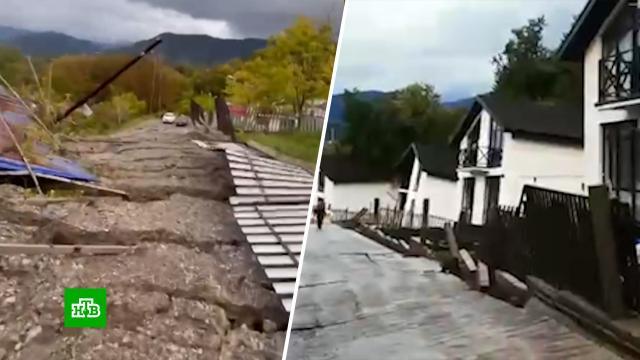 Жителей одного из сел в Сочи эвакуируют из-за оползня.Сочи, курорты, оползни, эвакуация.НТВ.Ru: новости, видео, программы телеканала НТВ