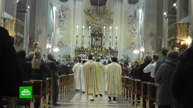 В педофилии уличили около 3 тыс. священников католической церкви Франции