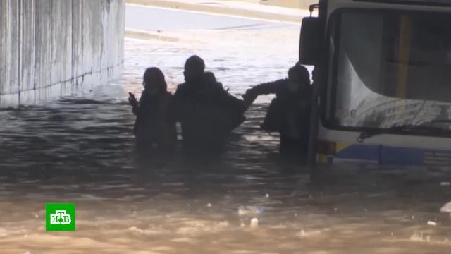 Сильнейшая буря превратила улицы Афин в реки.Греция, наводнения.НТВ.Ru: новости, видео, программы телеканала НТВ
