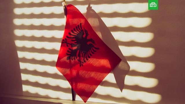 Погибшие в отеле Албании россияне могли отравиться хлором.Скончавшиеся в сауне отеля в Албании российские туристы могли погибнуть из-за отравления хлором.смерть, туризм и путешествия.НТВ.Ru: новости, видео, программы телеканала НТВ