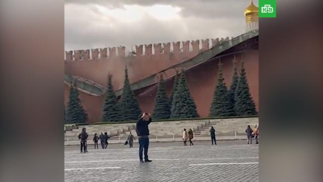 Шквалистый ветер повредил зубцы Кремлевской стены вМоскве.МЧС, Москва, обрушение.НТВ.Ru: новости, видео, программы телеканала НТВ