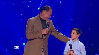 «Ты станешь настоящим фейерверком!»: юный Женя спел для голливудской суперзвезды иуслышал от него «Ты супер!»