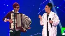 «Ты суперартист!»: виртуоз Богдан после смены образа сразил всех наповал исыграл для Ёлки на аккордеоне