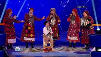 Юный Антон блестяще сыграл на балалайке, спел на удмуртском, получил подарок от «Бурановских бабушек» ивстретился спапой!