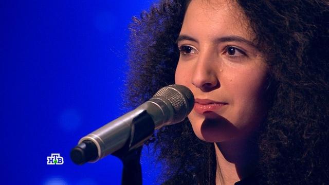 Карина, ты просто космос! Участница «Ты супер!» из Дагестана блестяще справилась склассической <nobr>рок-композицией</nobr>