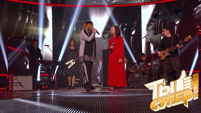 Фантастическая вокалистка Яна покорила всех своим суперномером испела сгруппой «Город 312»