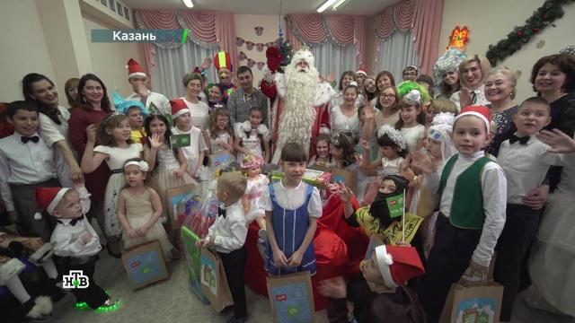Дед Мороз окутал волшебством зимнюю Казань иподарил ее жителям новогоднее настроение.НТВ.Ru: новости, видео, программы телеканала НТВ