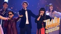 Гимн «Ты супер!» висполнении финалистов суперсезона
