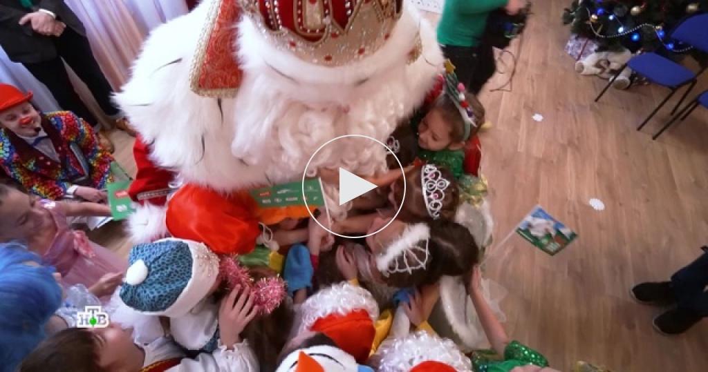 ВСаратове Дедушка Мороз вручил долгожданные подарки всем, кто верит вчудо