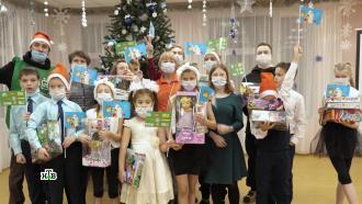 Исполнение желаний инеподдельная радость: Дедушка Мороз обрадовал ребят вСаратовской области иПетрозаводске